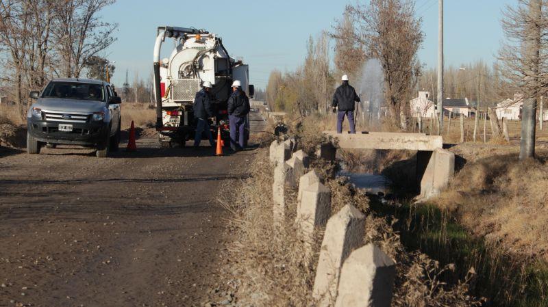 El Defensor del Pueblo recorri� el Canal Necochea para observar avances de los trabajos
