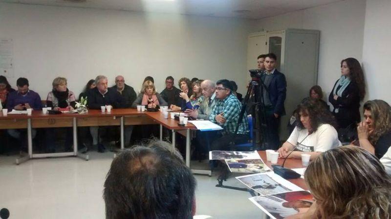 El Defensor del Pueblo acompa�� al Centro de Periodistas Jubilados Rodolfo Walsh y el Sindicato de Prensa de Neuqu�n en su reclamo por la Torre Periodistas