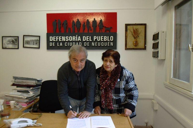 SE FIRM� UN CONVENIO DE COLABORACI�N CON EL GRUPO DE ABUELOS NUEVO AMANACER